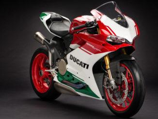 Studioaufnahme einer Ducati 1299 Panigale R Final Edition von 2017.