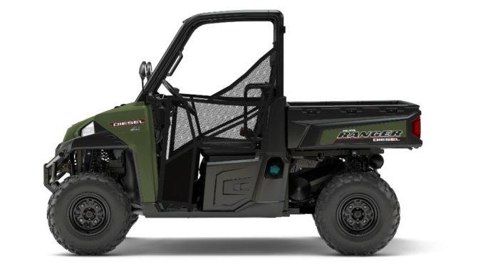 Studioaufnahme eines grünen Polaris Ranger Diesel HD des Modelljahres 2017.