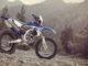 Yamaha Enduro WR250F steht im Gelände