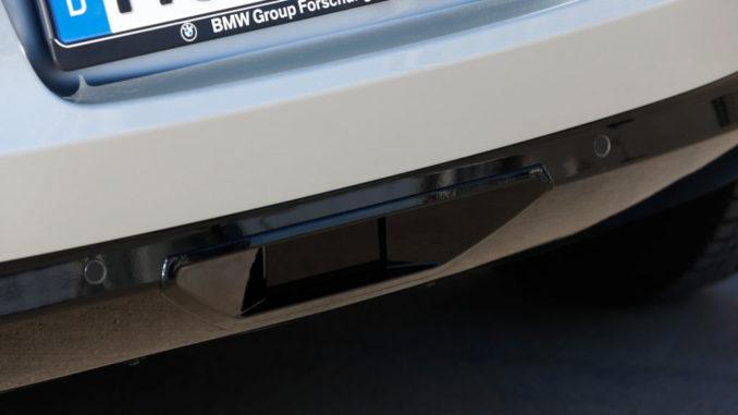 BMW auf der Consumer Electronics Show (CES) 2015 in Las Vegas. Fahrzeugautomatisierung, vollautomatisiertes Parken in Parkhäusern (01/2015)