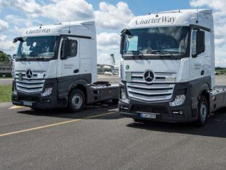 """CharterWay unterstützt Aktion """"Lkw und toter Winkel"""" mit zwei Mercedes-Benz Actros 1845 mit Active Brake Assist 4"""