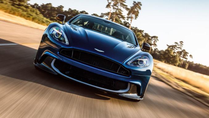 Front eines blauen Aston Martin Vanquish S
