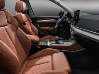 Braune Ledersitze im Innenraum eines Audi Q5 40 TDI, aufgenommen im Juni 2020.