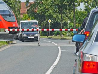 auto bahn vorrang verkehrssystem straße verkehr