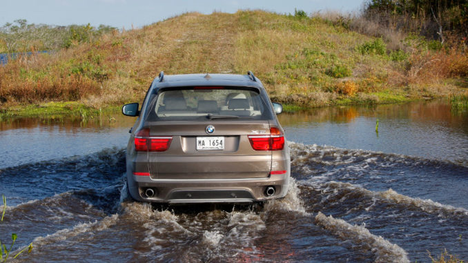 BMW X5 xDrive35i – On Location Miami (04/2010)