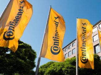Flagge, Continental Logo, neues Logo, Hauptverwaltung, Hannover, Vahrenwalder Straße, Fahne, neues Corporate Design, Unternehmensbild
