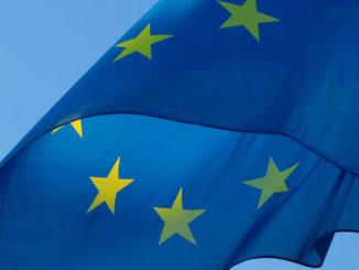 fahne europa flagge eu europäisch wehen blau