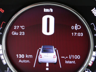 Kombiinstrument im New Fiat 500 (07/2015)