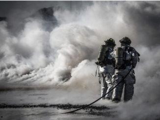 unfall feuerwehr training leben feuer schutz gefahr