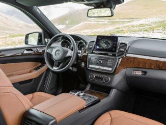 Mercedes-Benz GLS 350 d 4MATIC, Interieur: Leder sattelbraun/schwarz, Zierteile: Holz Wurzelnuss glänzend.