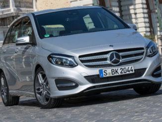 Mercedes-Benz B 220 d polarsilber metallic, aufgenommen 2017 in Budapest