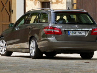 Mercedes-Benz E-Klasse, E 250 CDI ELEGANCE T-Modell (S212; Jahr 2011), indiumgrau metallic, Leder mandelbeige