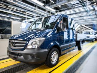 Das Mercedes-Benz Werk Ludwigsfelde ist einer der größten Arbeitgeber in Brandenburg. Im Finish rollen die neuen Sprinter vom Band.