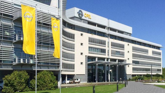 Aufnahme des Eingangsbereichs des Opel-Hauptgebäudes in Rüsselsheim