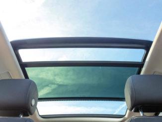 Panoramadach eines VW Touran