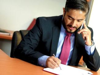büro rechtsanwalt lesen gesetze