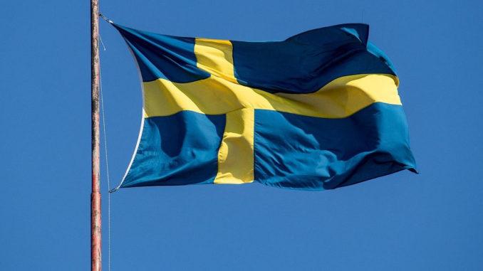 fahne flagge schweden flattern wind himmel wehen