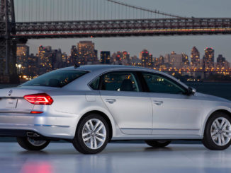 Weltpremiere des neuen US-Passat in New York City vor der Brooklyn Bridge am 21.9.2015