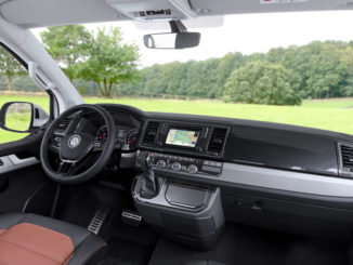 Innenraum des VW T6 Multivan Panamericana von 2016.